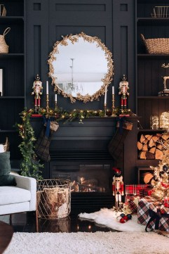 Amazing Gold Christmas Decoration Ideas 15