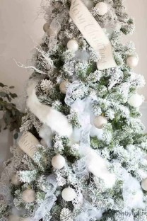Awesome Country Christmas Decoration Ideas 31