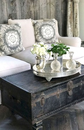 Awesome French Farmhouse Living Room Design Ideas 16