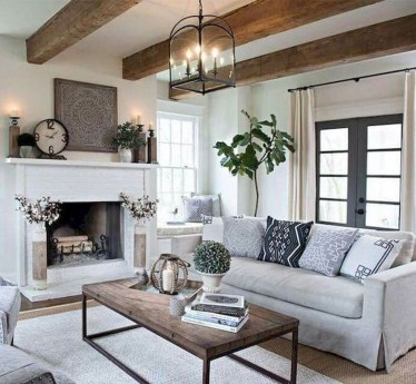Awesome French Farmhouse Living Room Design Ideas 43
