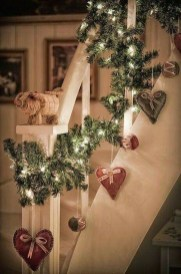 Beautiful Christmas Stairs Decoration Ideas 33