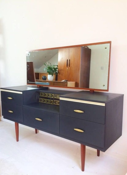 Cozy Mid Century Dressing Tables Vanities Ideas 11