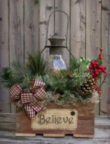 Cozy Rustic Outdoor Christmas Decor Ideas 19