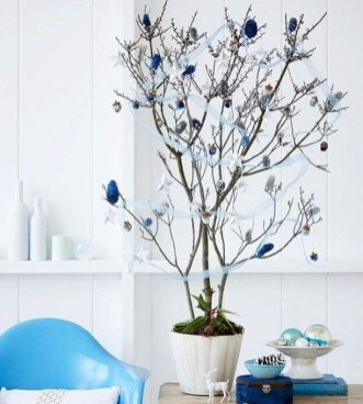 Fascinating Christmas Decor Ideas For Small Spaces 08