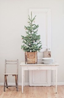 Fascinating Christmas Decor Ideas For Small Spaces 10