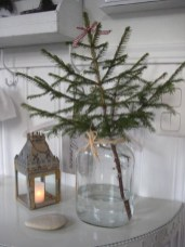Fascinating Christmas Decor Ideas For Small Spaces 20