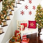 Gorgeous Ways To Decorate Your Stairs In This Christmas Ideas 03