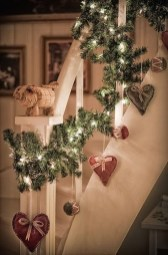 Gorgeous Ways To Decorate Your Stairs In This Christmas Ideas 10