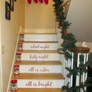 Gorgeous Ways To Decorate Your Stairs In This Christmas Ideas 20