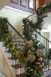 Gorgeous Ways To Decorate Your Stairs In This Christmas Ideas 42