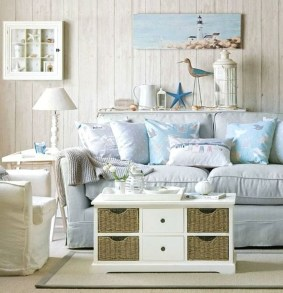 Incredible White Walls Living Room Design Ideas 18