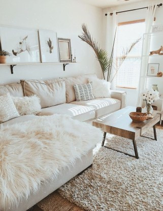 Incredible White Walls Living Room Design Ideas 37