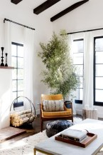 Incredible White Walls Living Room Design Ideas 47