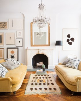 Incredible White Walls Living Room Design Ideas 53