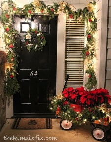 Lovely Traditional Christmas Decorations Ideas 50