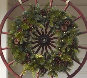 Magnificient Rustic Christmas Decorations And Wreaths Ideas 15