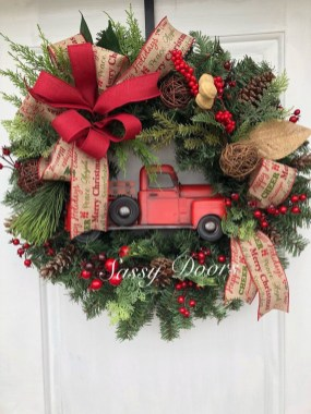 Magnificient Rustic Christmas Decorations And Wreaths Ideas 39