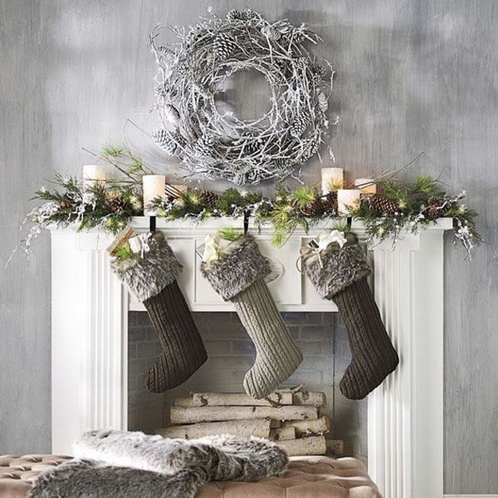 Magnificient Rustic Christmas Decorations And Wreaths Ideas 47