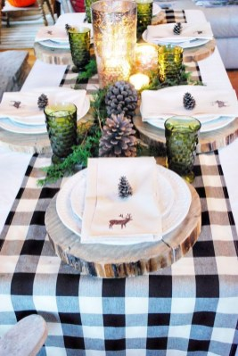 Modern Rustic Christmas Table Settings Ideas 17