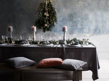 Modern Rustic Christmas Table Settings Ideas 29