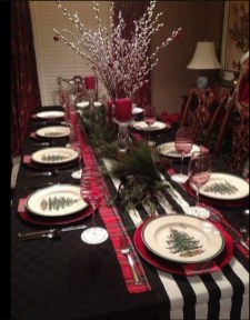 Modern Rustic Christmas Table Settings Ideas 38