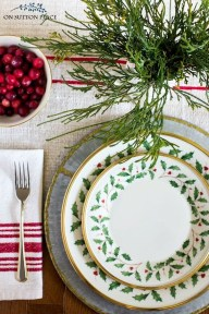 Modern Rustic Christmas Table Settings Ideas 41