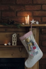 Perfect Christmas Stocking Decoration Ideas 40