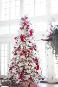 Stylish Decorated Christmas Trees 2018 Ideas 01