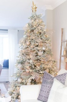 Stylish Decorated Christmas Trees 2018 Ideas 03