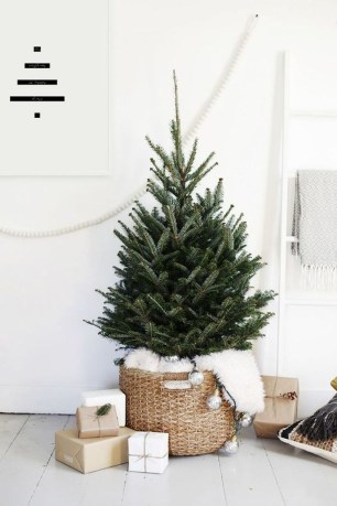 Stylish Decorated Christmas Trees 2018 Ideas 27