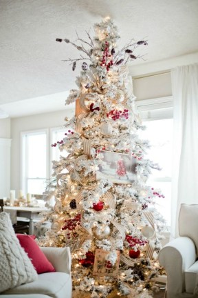Stylish Decorated Christmas Trees 2018 Ideas 43