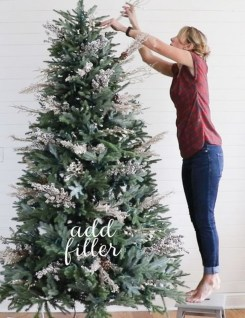 Stylish Decorated Christmas Trees 2018 Ideas 49