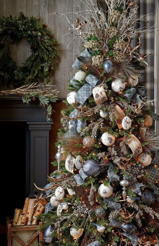 Stylish Decorated Christmas Trees 2018 Ideas 52