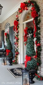 Wonderful Red Christmas Decoration Ideas 15