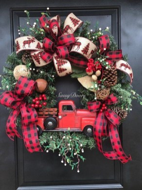 Wonderful Red Christmas Decoration Ideas 38
