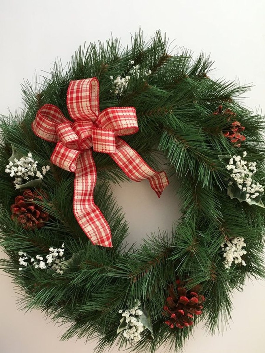 Awesome Christmas Wreath Decoration Ideas For Your Home 17