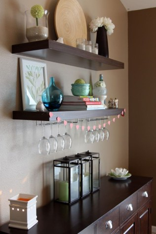 Charming Dining Room Decor Ideas For Valentines Day 35