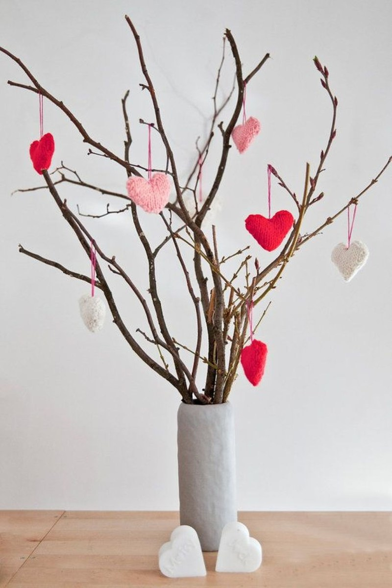 Comfy Valentine Decor Ideas For This Year 01