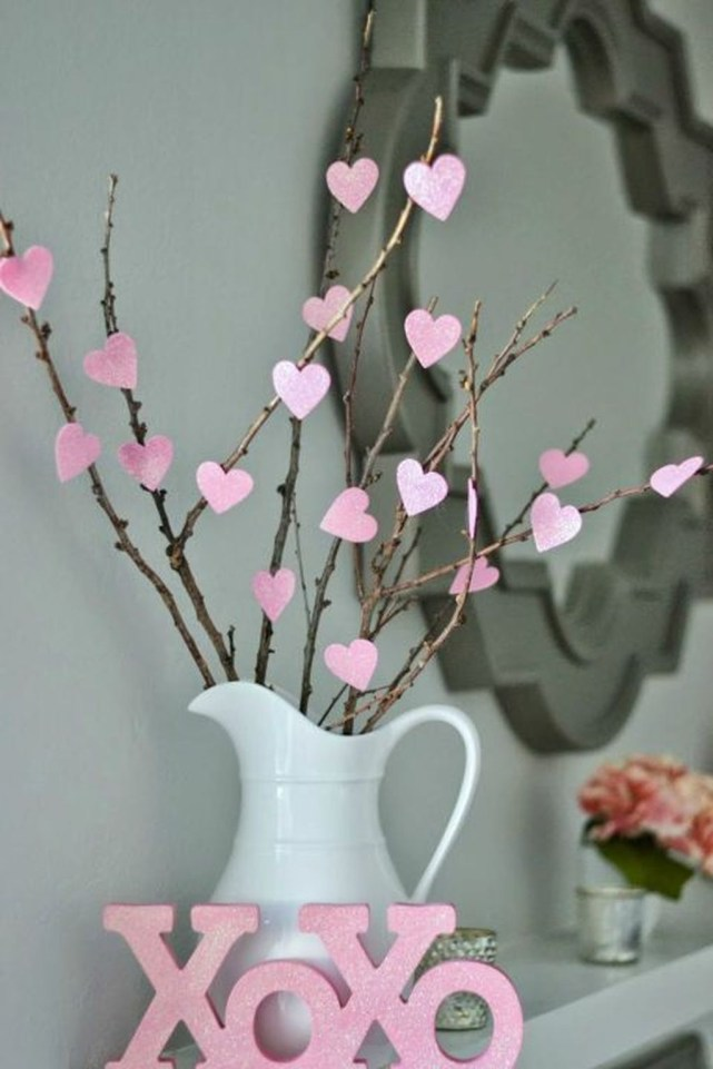 Comfy Valentine Decor Ideas For This Year 53