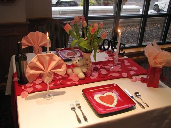 Cute Table Setting Ideas For Valentines Day 21