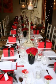 Cute Table Setting Ideas For Valentines Day 31