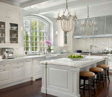 Delightful French Country Kitchen Design Ideas 19
