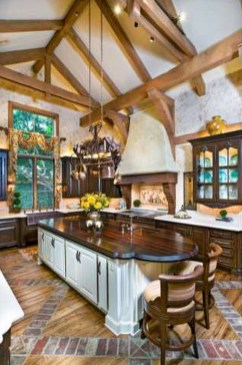 Delightful French Country Kitchen Design Ideas 40