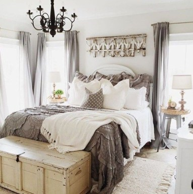 Stylish Farmhouse Bedroom Decor Ideas 34