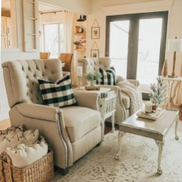 Lovely Farmhouse Living Room Decor Ideas 10