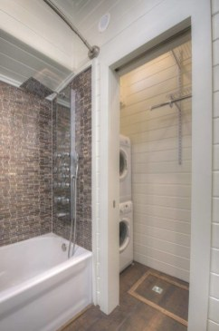 Perfect Tiny House Bathroom Design Ideas 42