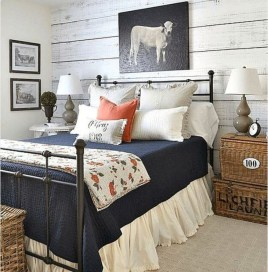 Pretty Farmhouse Master Bedroom Decorating Ideas 30