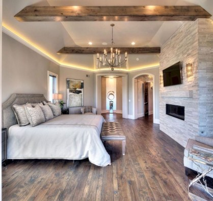 Pretty Farmhouse Master Bedroom Decorating Ideas 39