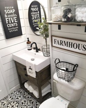 Wonderful Farmhouse Bathroom Decor Ideas 23