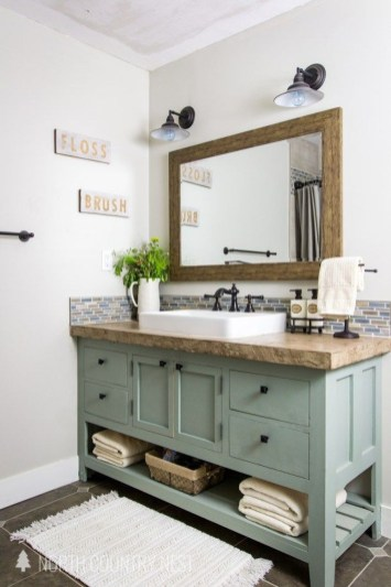 Wonderful Farmhouse Bathroom Decor Ideas 47